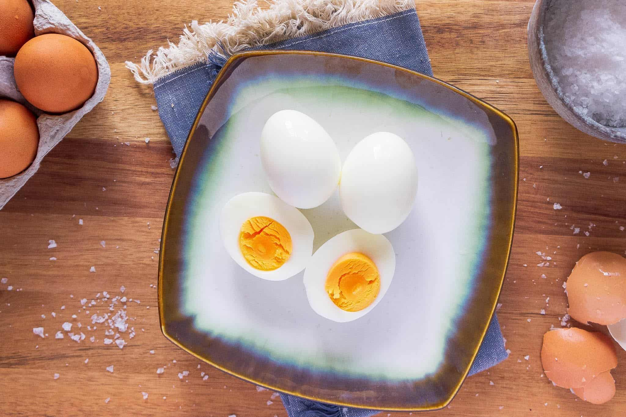 Hardcooked eggs that peel easy