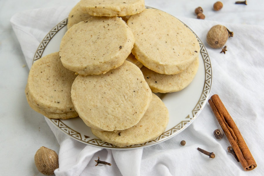 a plate of spiced shortbread cookies