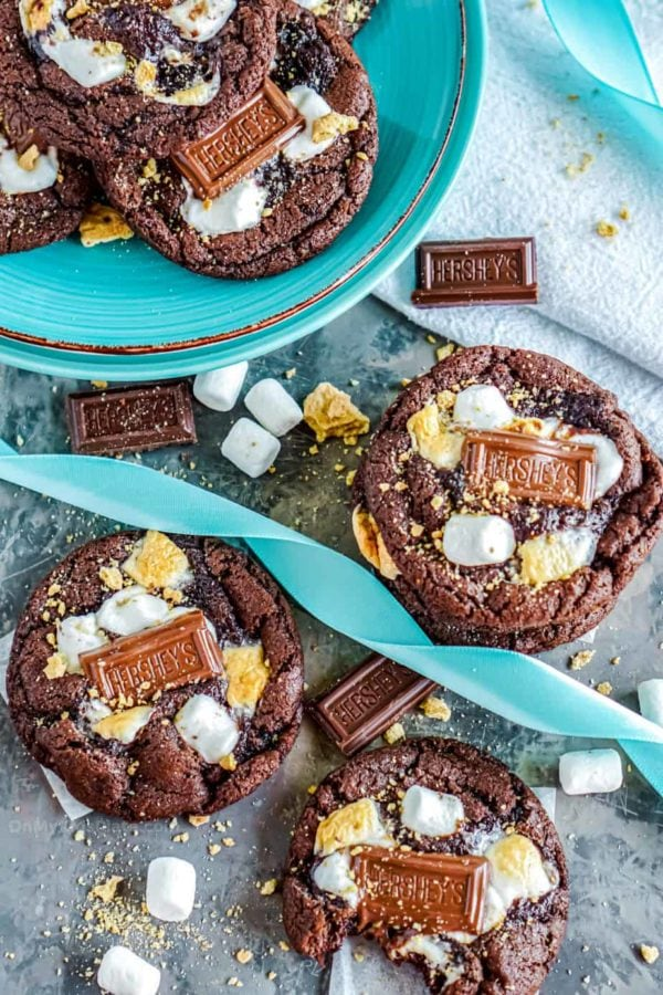 s'mores cookies with blue ribbon