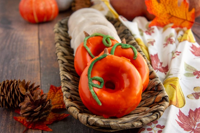 Baked Pumpkin Donuts #HalloweenTreatsWeek